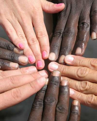 İnsanların Derilerinin Renkleri Neden Farklıdır?